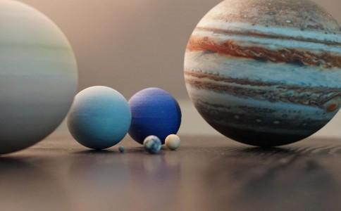 打印一套3D太阳系,放在你的桌子上