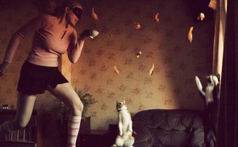 英国女摄影师:一人一猫