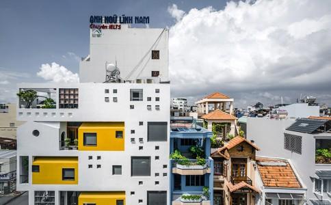 越南胡志明市一座与城市对话的综合居住建筑
