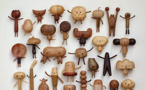 台湾设计师Yen Jui-Lin创作了一系列可爱的木头玩偶