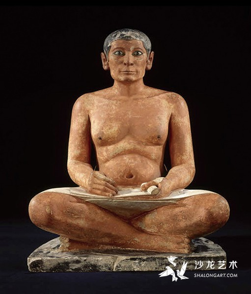 《书吏座像》(The Seated Scribe),古埃及第5王朝,前2600—前2350年,石灰石和雪花石膏,高53.7 厘米,巴黎卢浮宫博物馆