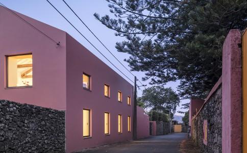 粉房子旅馆 历史与现代感的和谐共生