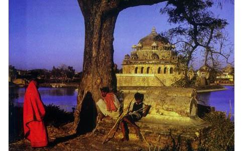 拉古比辛格眼中的印度